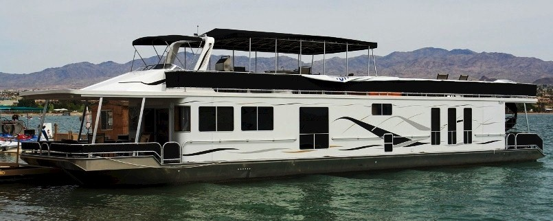 Houseboating at Lake Havasu