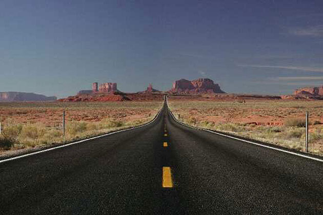 Road to Monument Valley